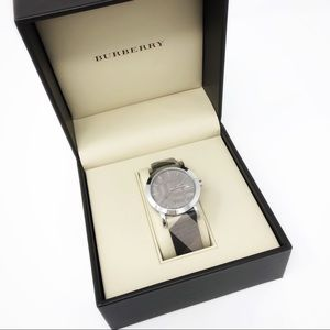 Burberry Heritage Collection Watch Nova Check Gray